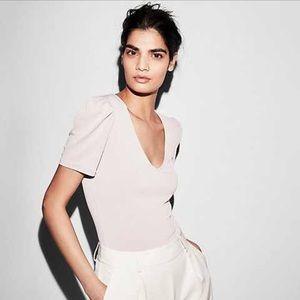 V-neck puff sleeve lavender blush express blouse